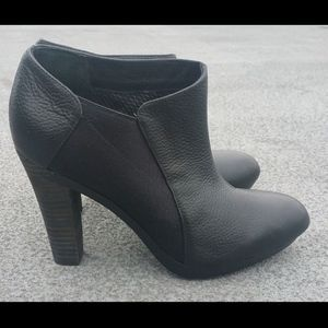 """NEW TSUBO Ankle Boot 4"""" Heel Black Leather Sz 7.5"""